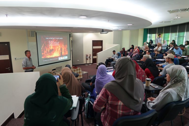 Dr Jon Davies' insightful presentation attended by officials from Forestry Department, (MPRT), secondary school teachers, as well as UBD academics.