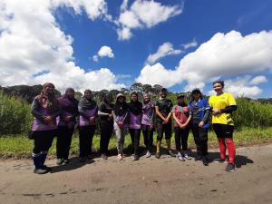 Research team members for Badas Tree Planting 2021. Left to right - Hazimah, Dr Salwana, AP Dr Rahayu Sukri (Research Lead), Suhailah (SMART), Naqibah, Aqilah, Wardah, Asri, Fatin, Wardahtul & Naqiah. (Photo by: Salwana Jaafar)